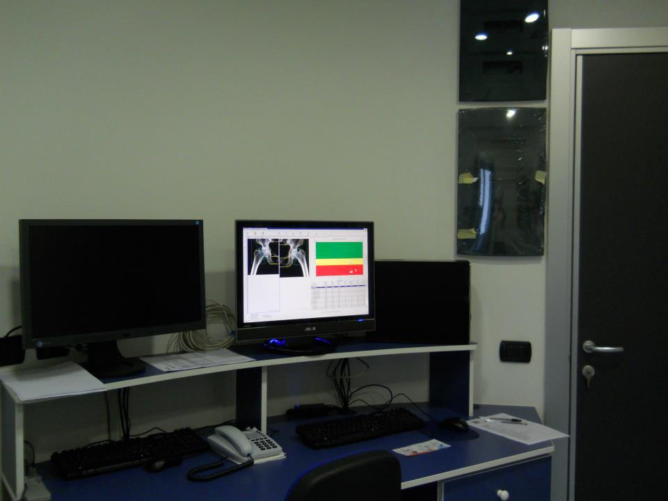 Computer collegati a macchinari di analisi