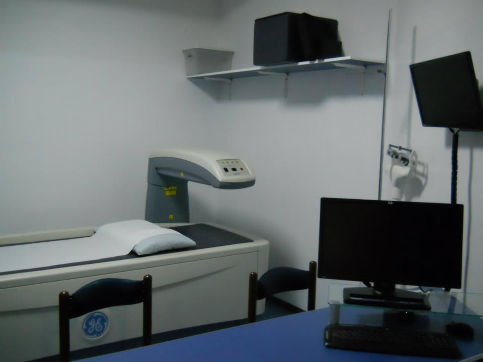 Apparecchiatura medica in una stanza