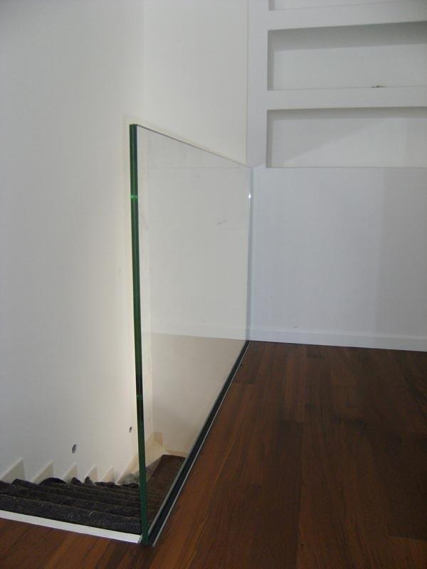 parapetto filo pavimento
