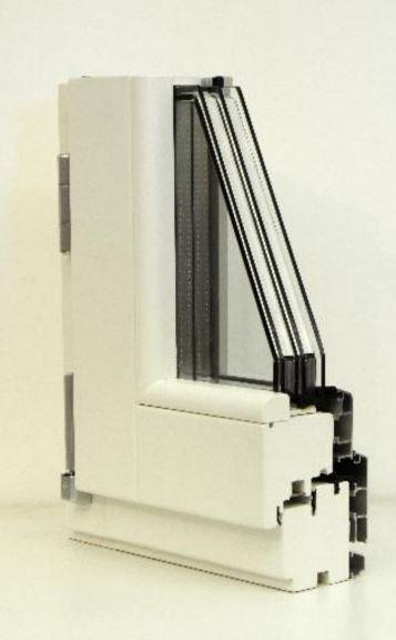 serramento bianco in legno alluminio