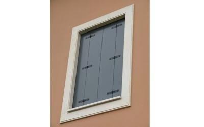 scuri in legno per finestra esterna
