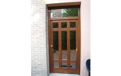 porta di ingresso in vetro