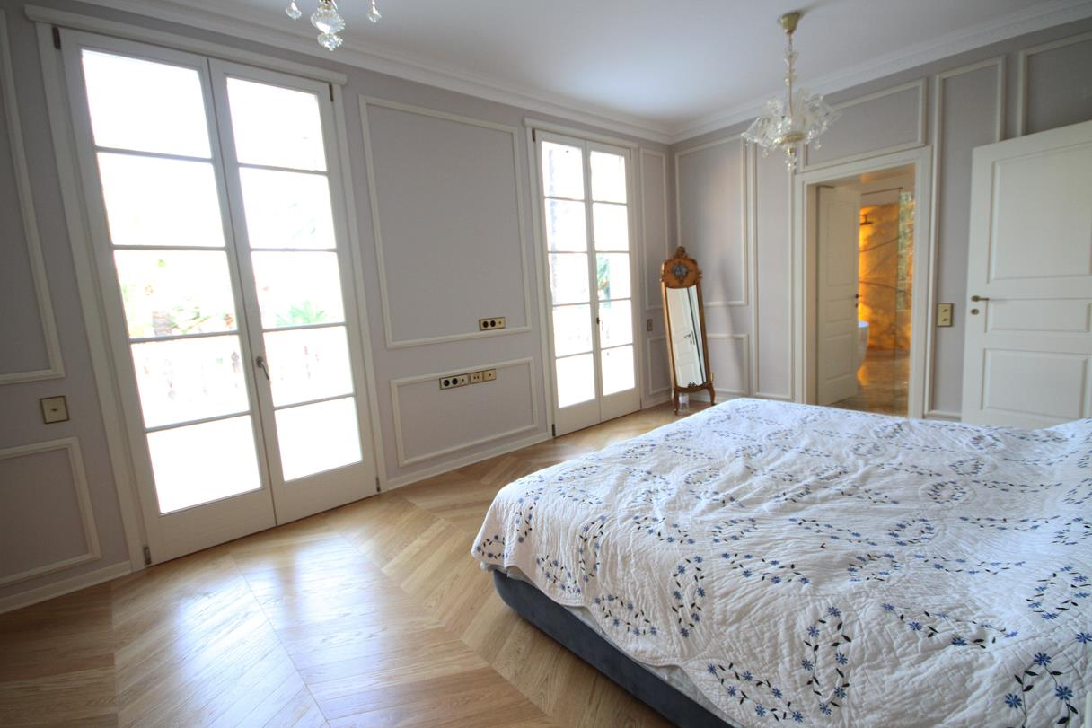 Parquet in rovere naturale a spina ungherese