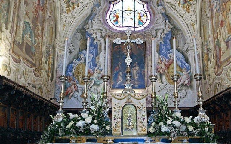 Allestimento florealo per chiese