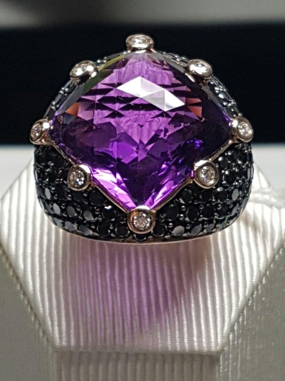 diamanti neri Trecate