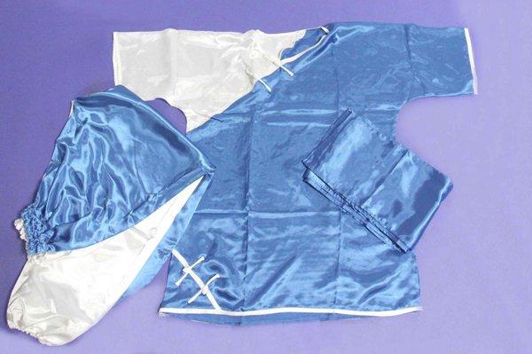 Divisa kung fu / wushu raso azzurra e bianca manica corta.