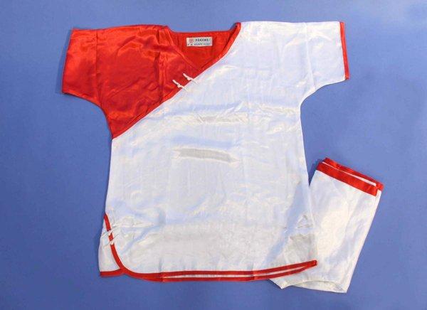 Divisa kung fu / wu shu manica corta colore bianca e rossa.