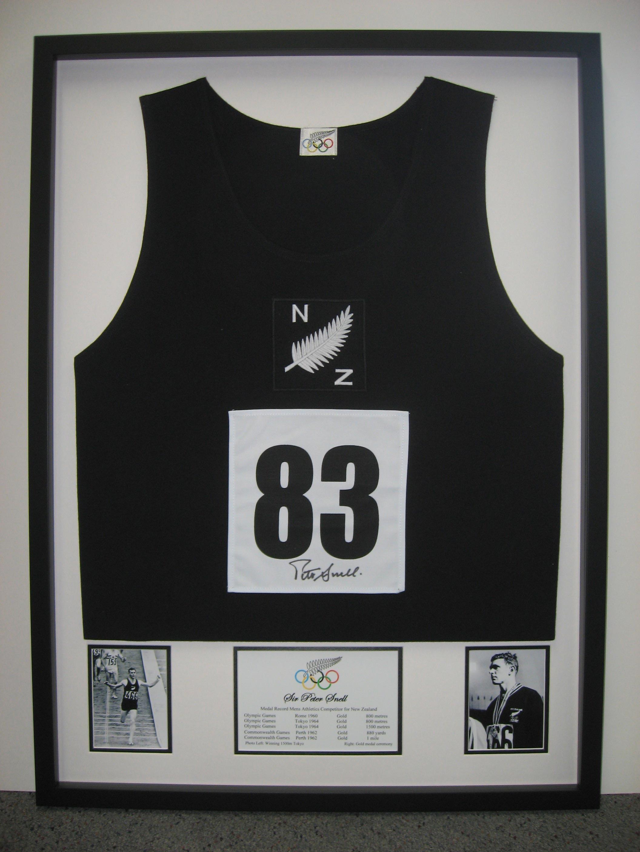 Black color sleeveless sportswear framed