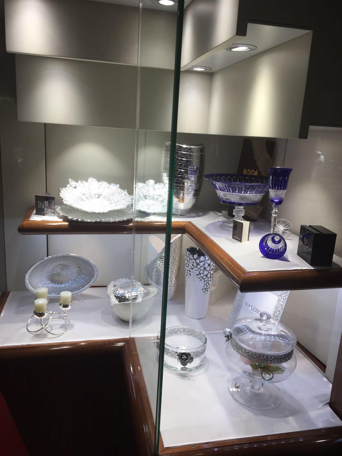 manufatti in vetro e ceramica