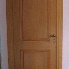 porta marrone chiaro