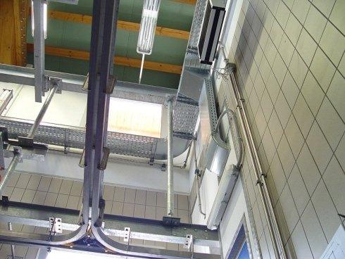 impianto elettrico industriale a soffitto