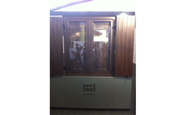 finestre e scuri in legno