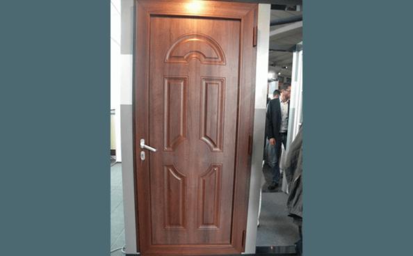 porta blindata in legno marrone