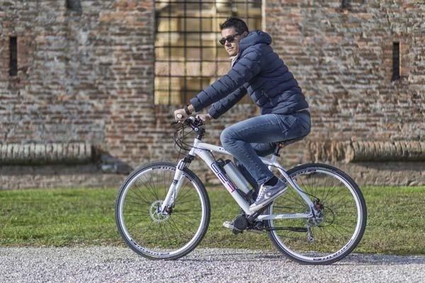 bicicletta elettrica b2f