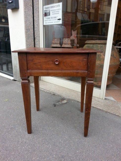 Antico tavolino con cassetto prima meta dell