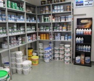 ferramenta per edilizia; cartongesso; attrezzature per edilizia; materiali e manufatti per l' edilizia