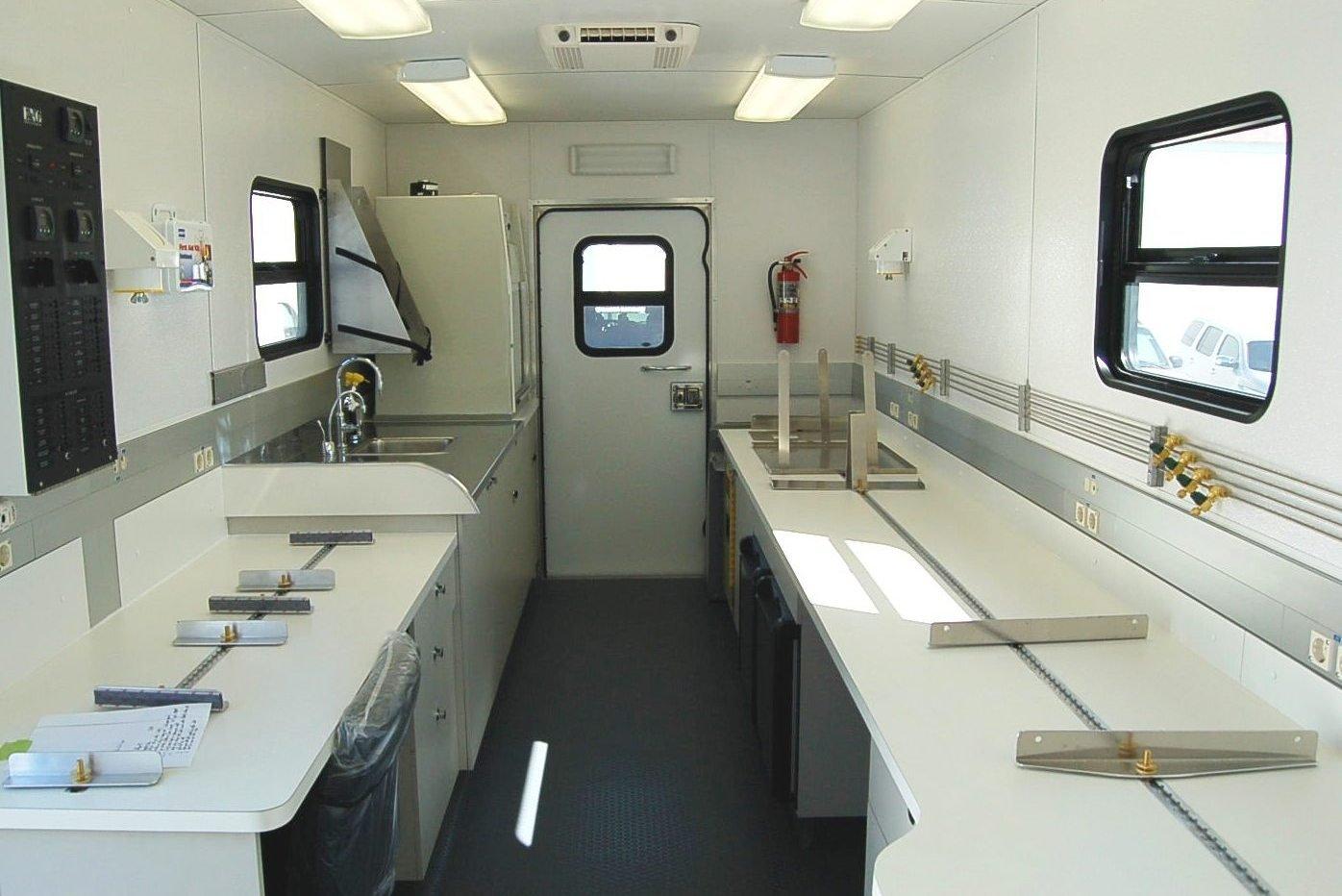 Mobile Laboratory 220-01 Interior