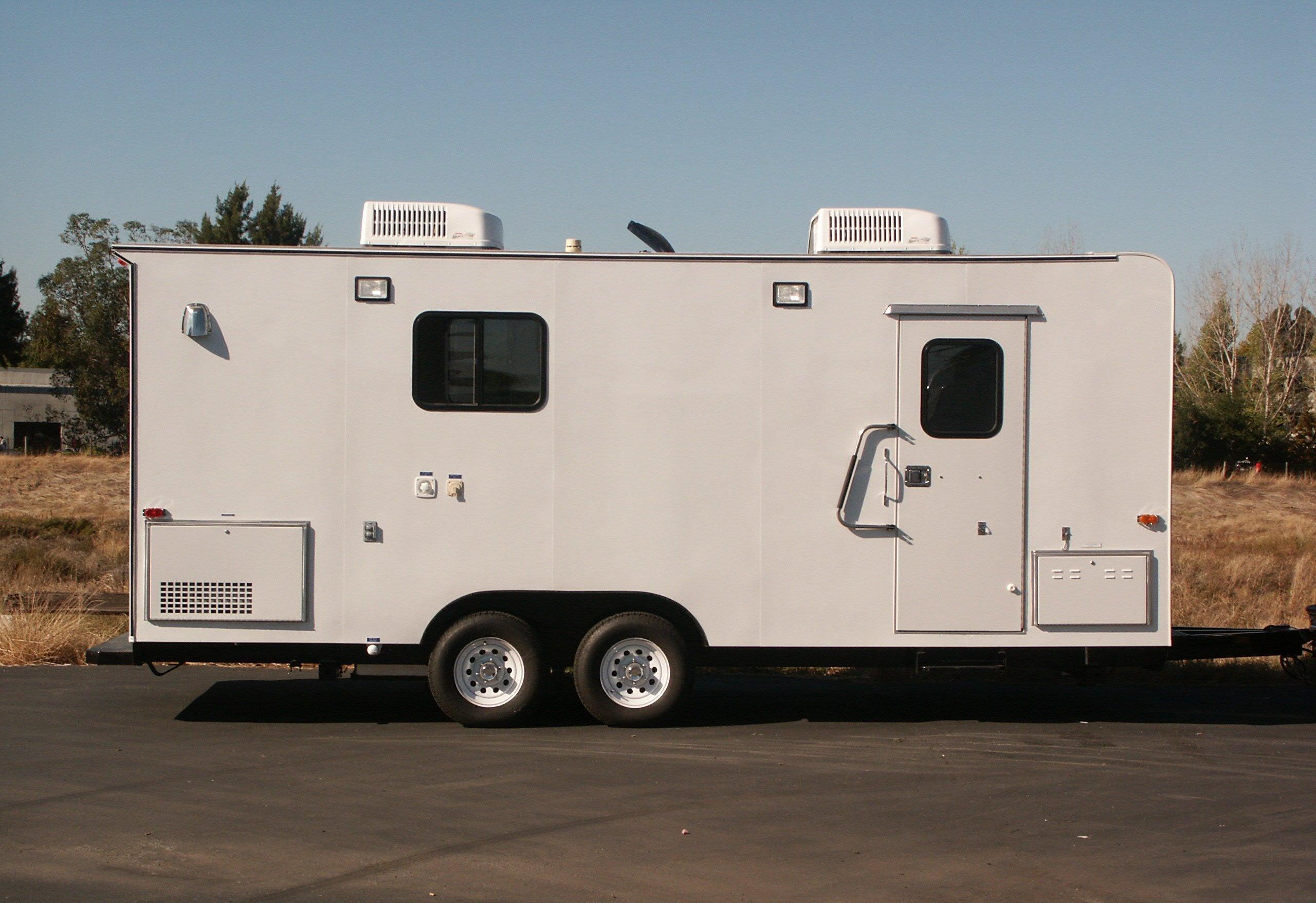 Mobile Laboratory 320-01 Exterior
