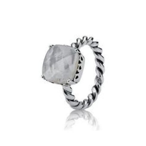 Collezione anelli con pietra.jpeg