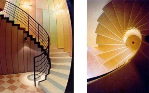 due immagini di una scala coi gradini in marmo