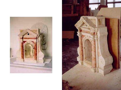 una costruzione stile antico in marmo