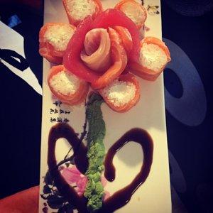 Fiori di verdure pesce e bruschette