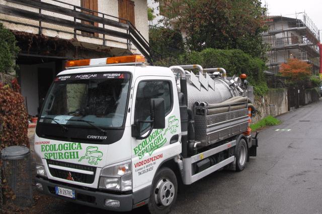 Camion a marchio Ecologica Spurghi
