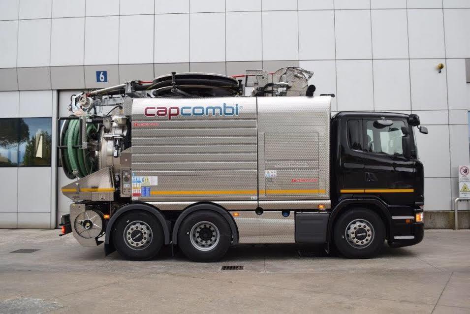 Camion spurgo a marchio Capcombi