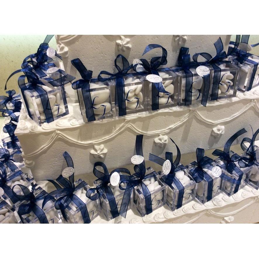 Da Casa della Bomboniera a Siena puoi scegliere le tue bomboniere personalizzate con le iniziali degli sposi