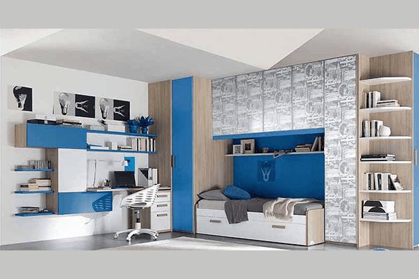 Cameretta bianco e azzurro con scrivania