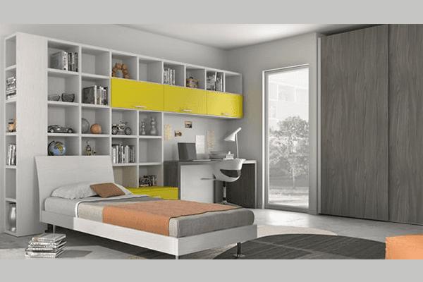 Composizione a ponte con libreria bianco e giallo