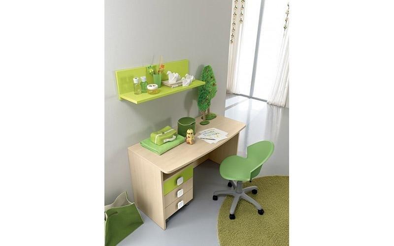scrivania in acero
