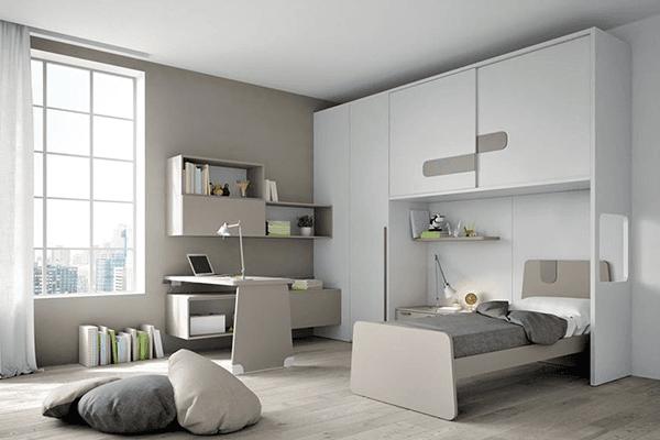 Camera bianco opaco con letto e scrivania