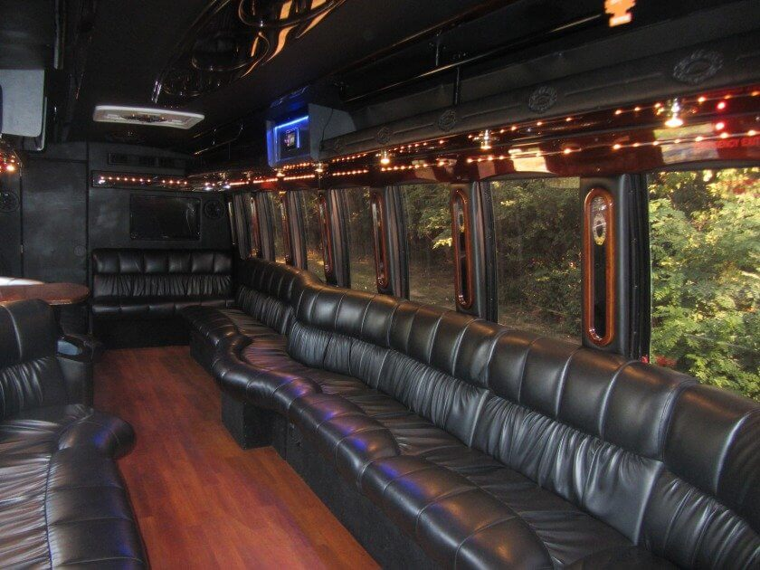 party bus rentals in des moines