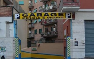 insegna garage