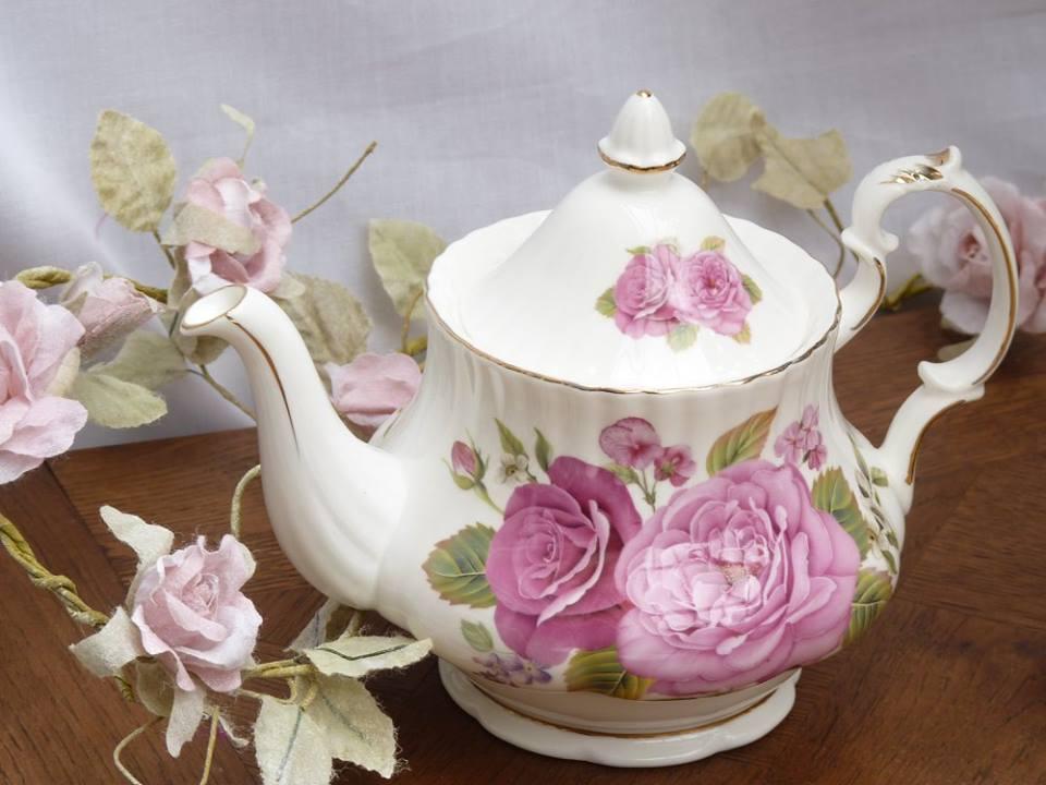 tea serving flask