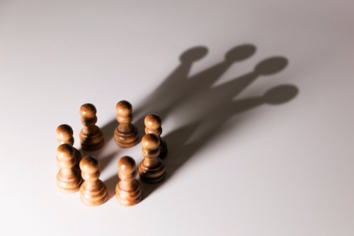 pedoni degli scacchi in legno