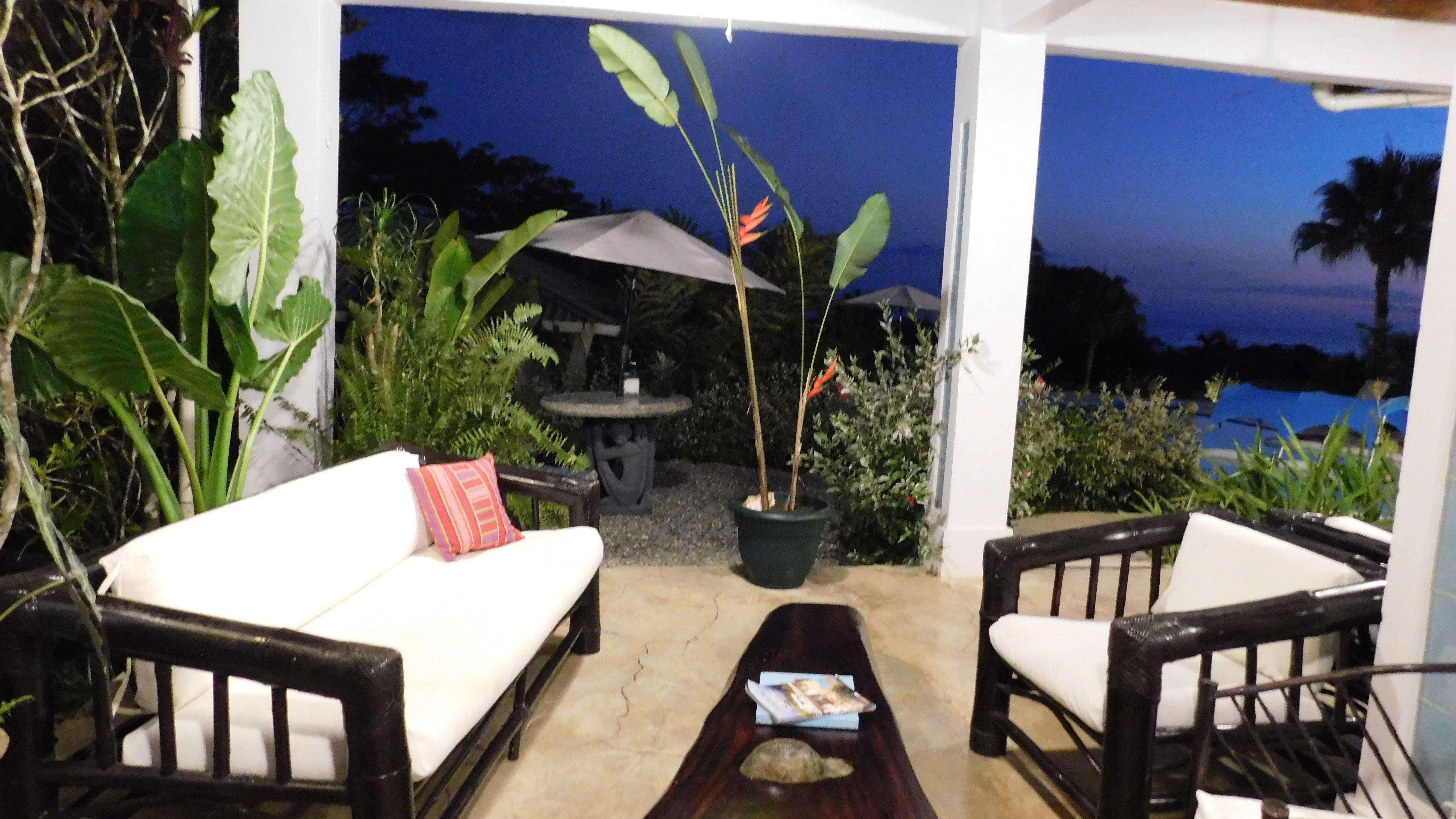 Paraiso Bar at the Lookout at Playa Tortuga