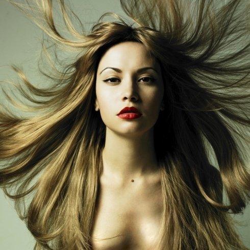 massaggi cuoio capelluto, decolorazione capelli