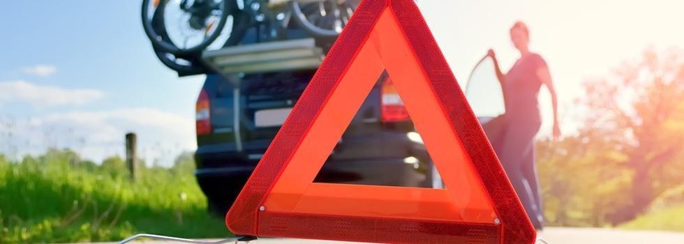Auto con simbolo del soccorso stradale