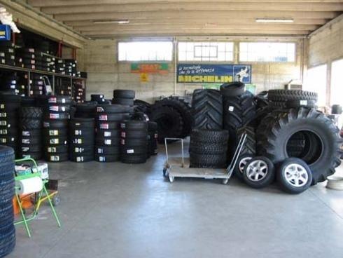 vendita pneumatici nuovi