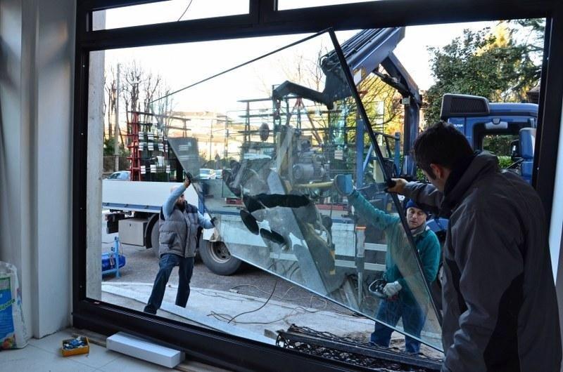 Varese - Posa vetrina con autogru e ventosa_800x530.jpeg