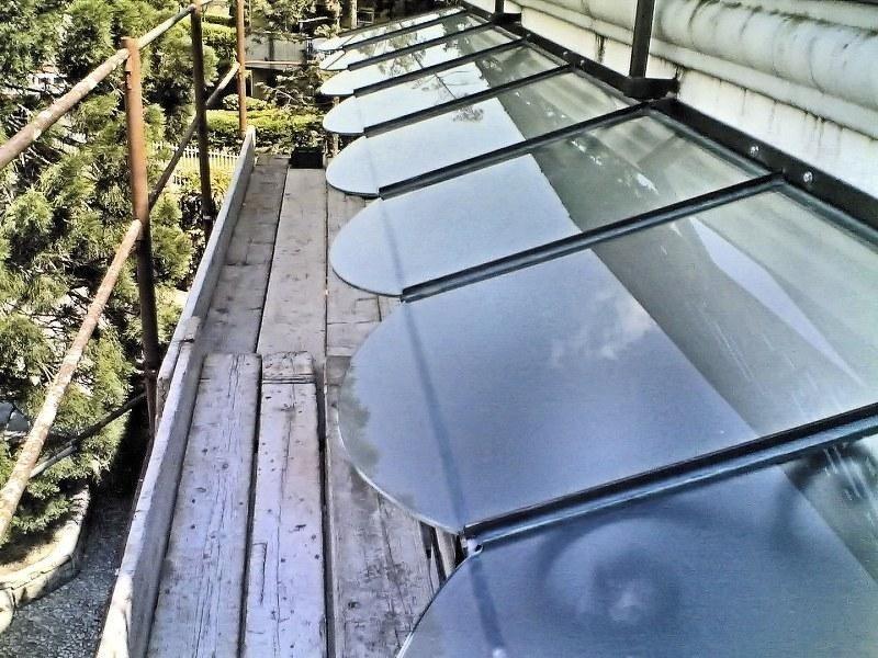 Pensilina con vetri stratificati sagomati_800x600.jpeg