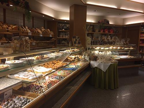 Pane dolci croissant pizza tutti al Panificio Fratelli Montanucci di Dantomio Maria & C. snc in Treviso