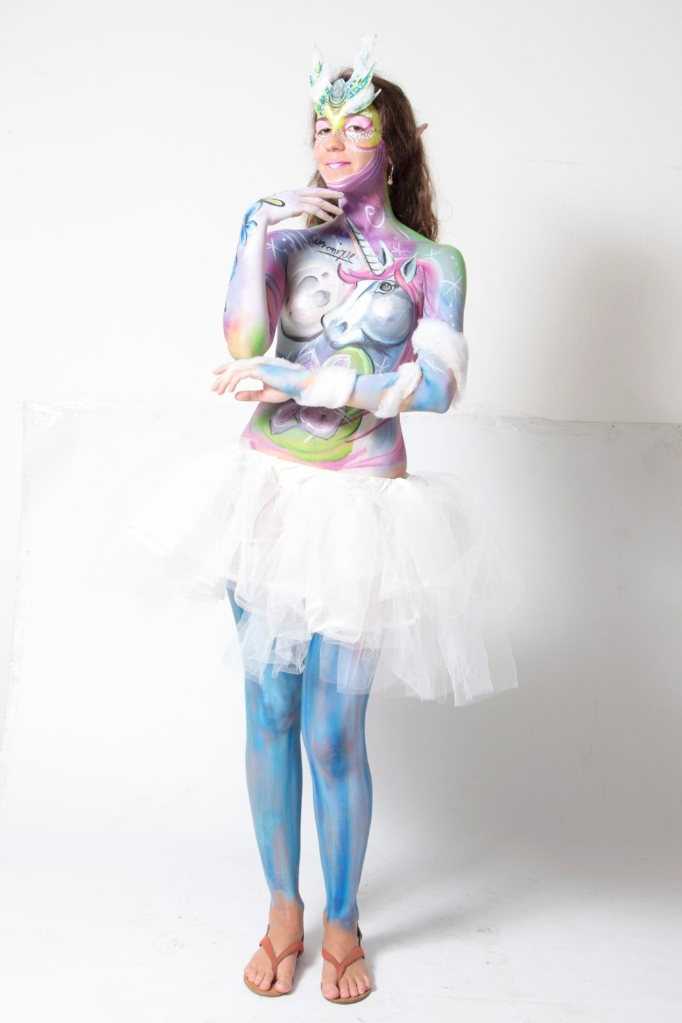 Modella con body painting