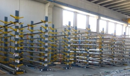 magazzino barre di acciaio