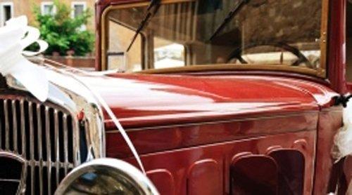 Cofano di un'auto d'epoca