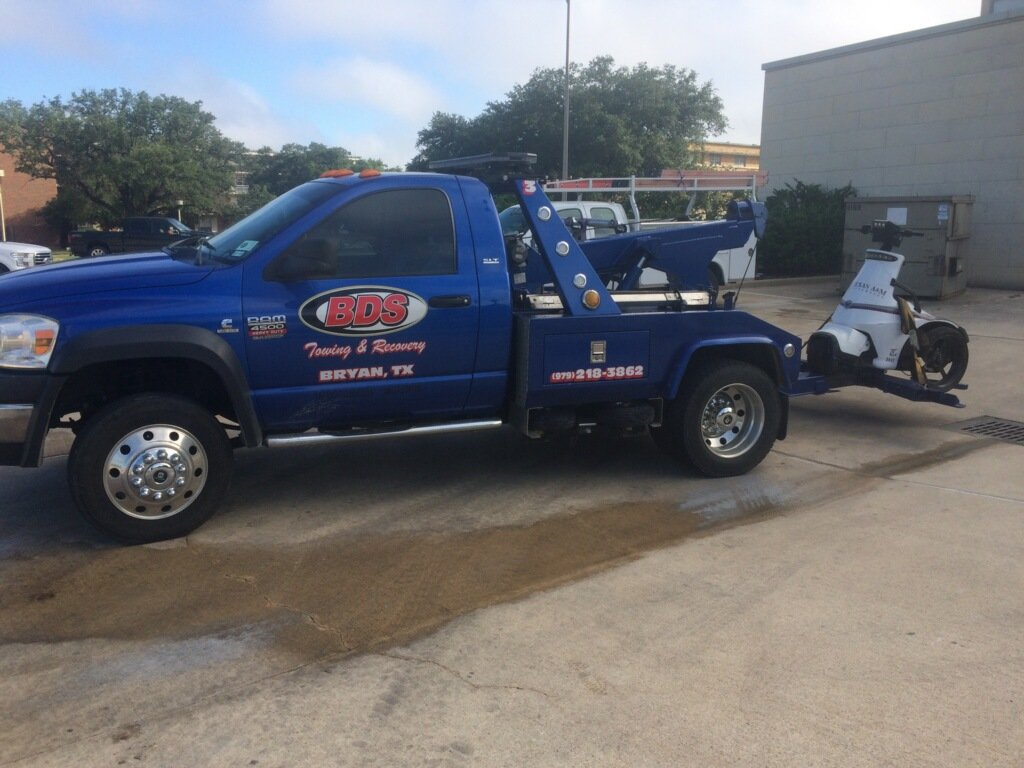 18 Wheeler Towing Service College Station, TX