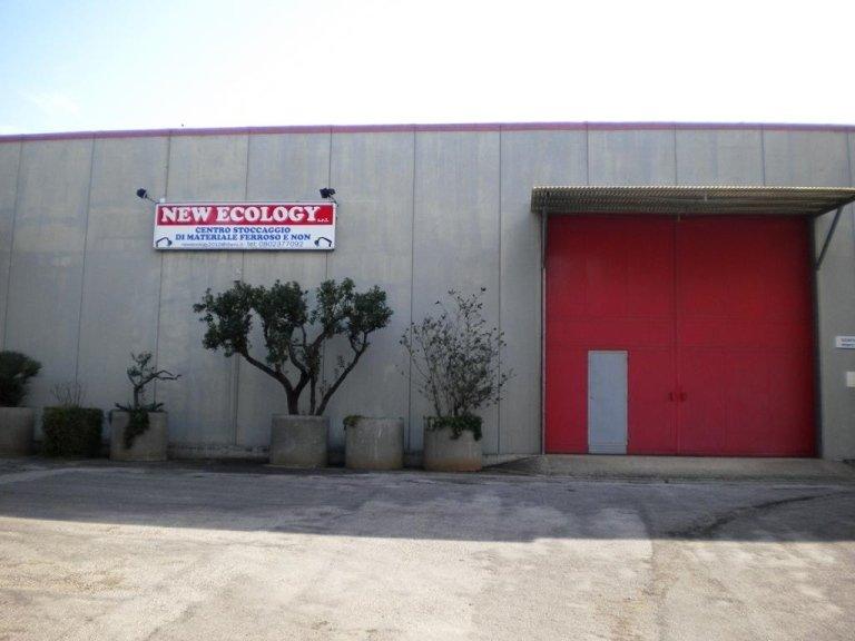centro stoccaggio di materiale ferroso