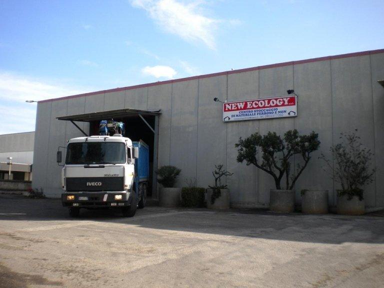 centro stoccaggio di materiale non ferroso